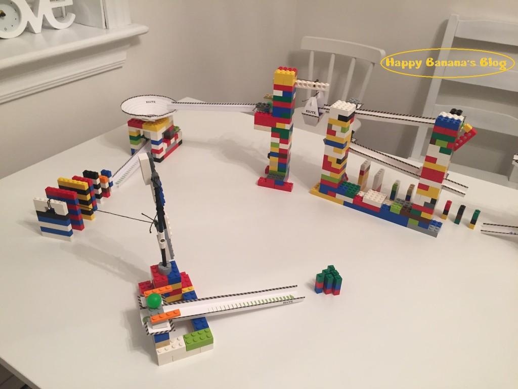 「Lego Chain Reactions」を使って 、レゴドミノの超大作が完成!