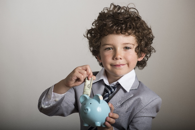 カナダの子供手当「CCB」とは?これまでの手当との違いや申請方法など詳しく解説します。