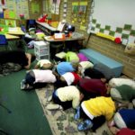カナダの学校は防災訓練だけでなく、不審者からの避難訓練もある!