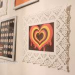 壁に写真を飾ってみたよ。IKEAのSKURARフレームを使えば簡単におしゃれ風♪