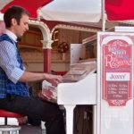 ラグタイムの神!ディズニーパフォーマーの「Jonny May」のピアノ演奏が最高すぎる。
