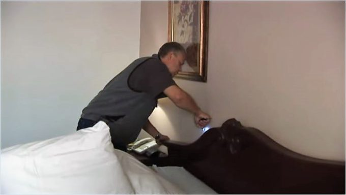 where-to-check_bedbug_in_hotel_bed-board-2