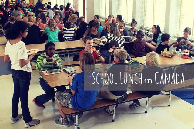 カナダ学校ランチ事情!給食は無いけど「ホットランチ」が注文できる。メニューや制度内容をご紹介。