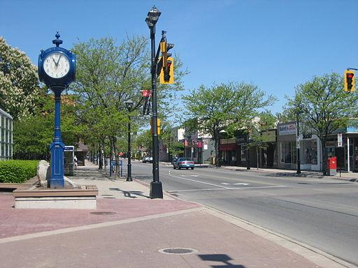 カナダオンタリオ州バーリントン(Burlington)のダウンタウン