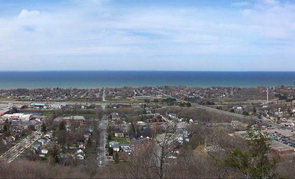 オンタリオ州グリムスビーの街の風景