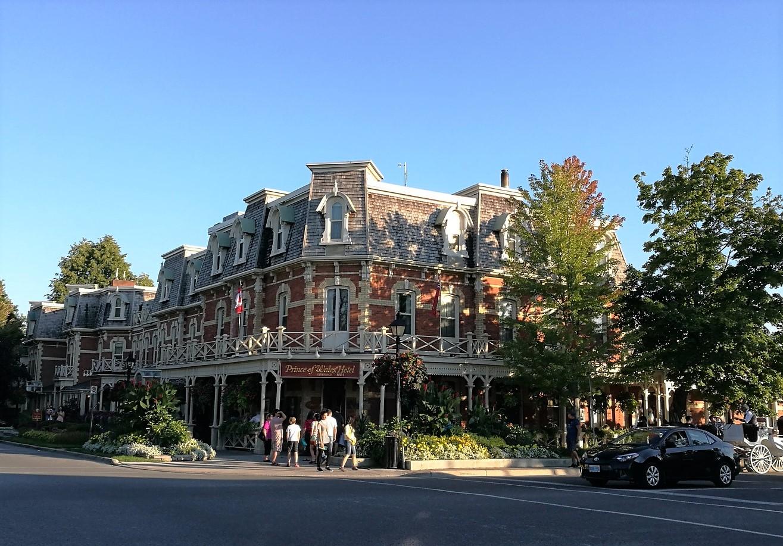 オンタリオ州ナイアガラオンザレイクにあるプリンス オブ ウェールズ ホテル