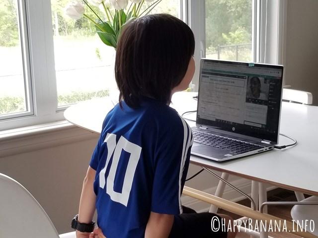 ネイティブキャンプを受講している10歳の子供